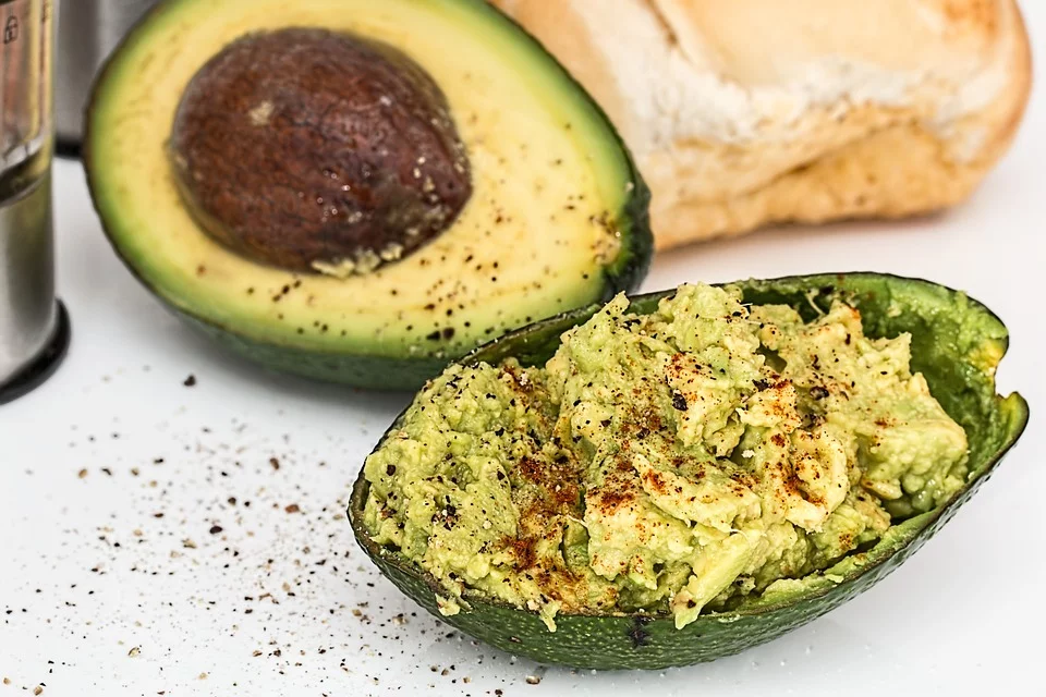 avocado-healthy-energy-boosting-snacks